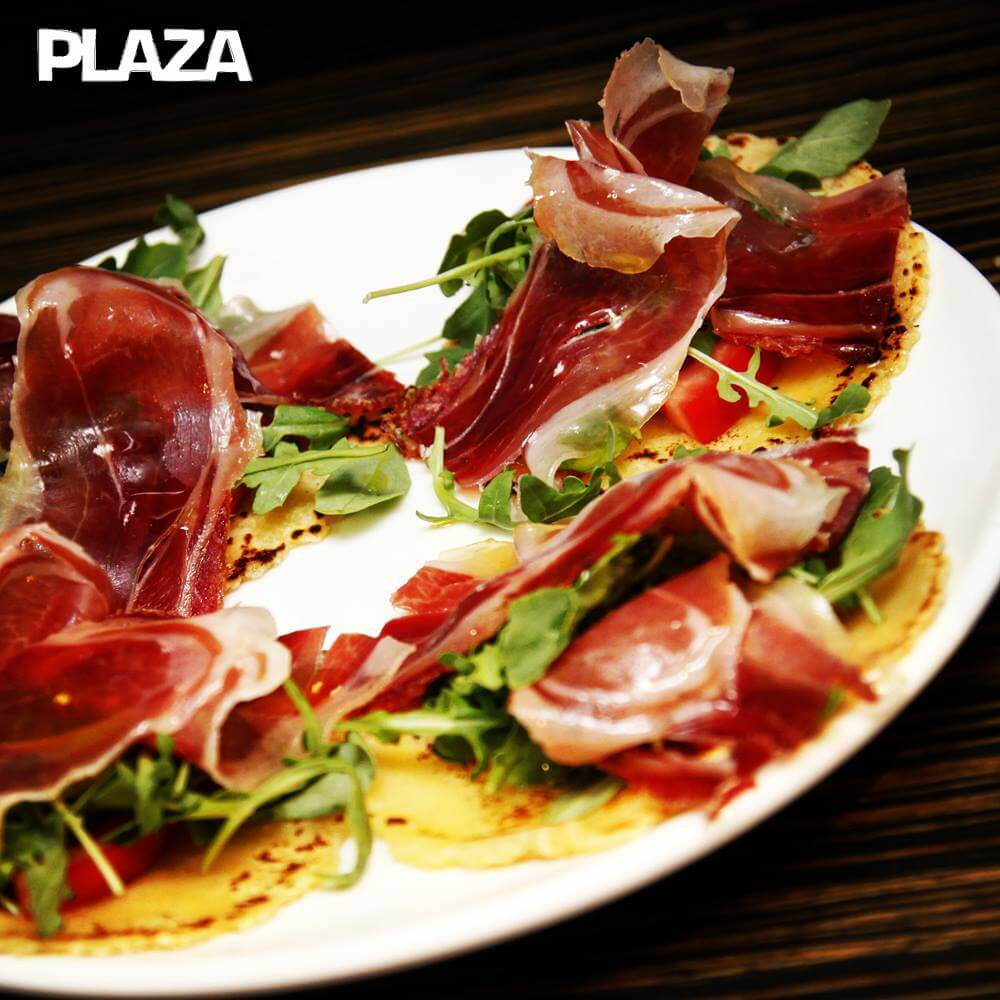cocas jamon serrano bar plaza gandia